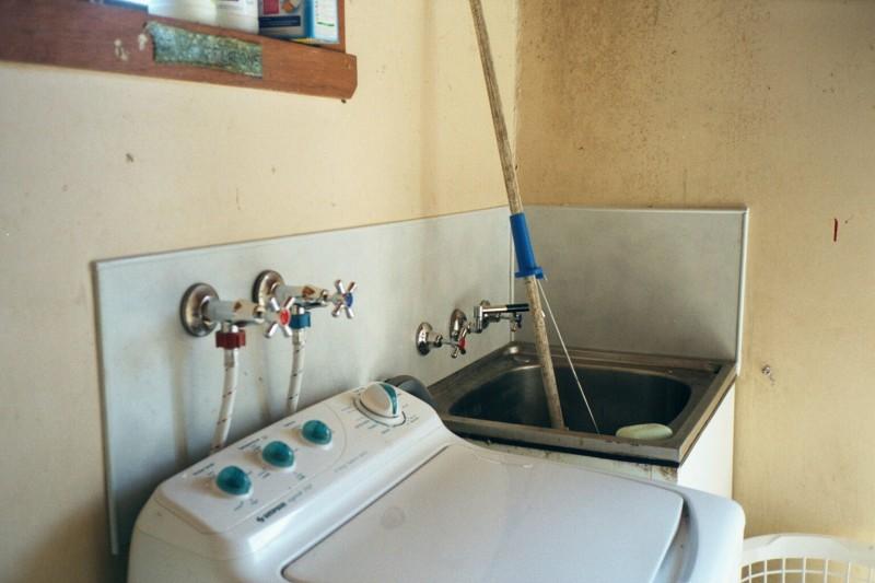 como desentupir tanque de lavar roupas